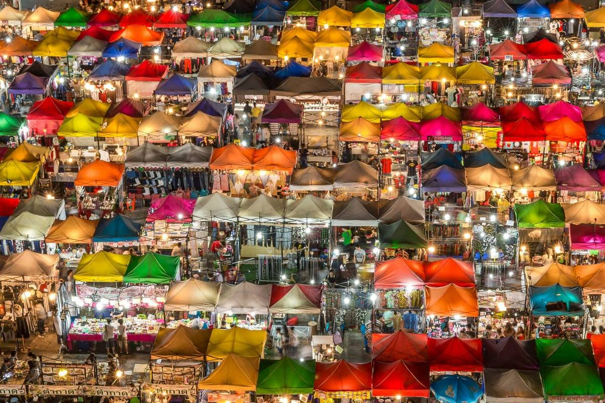 Bangkok Sightseeing Tips: Train Night Market Ratchada