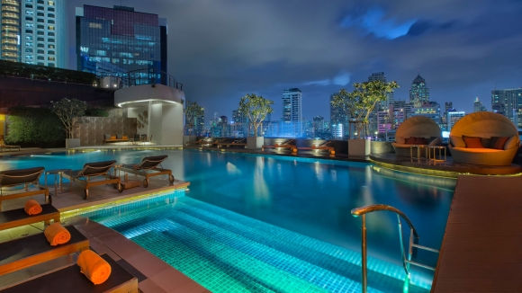 Hotel outdoor pool  5 Star Hotel Sukhumvit | Outdoor Pool at The Westin Grande ...